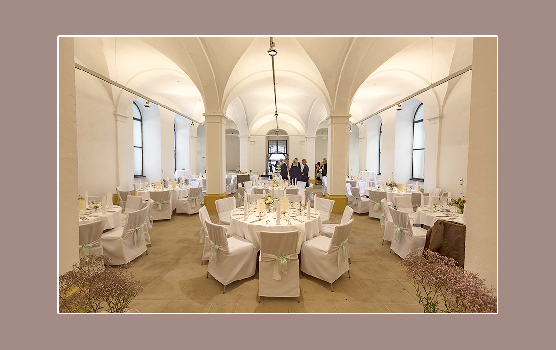 Märchenhafte Hochzeitslocation am See bei Dresden Bautzen Pirna Radebeul Schloss Moritzburg